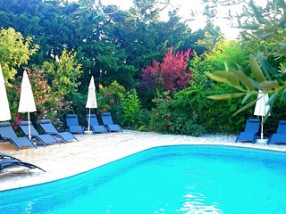 Cozy villa in the center of Maussane-les-Alpilles with Parking, Internet, Washin