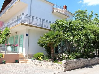 Spacious apartment in the center of Vodice with Parking, Balcony, Garden, Terrac