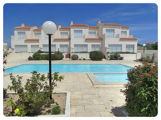 Spacious house in the center of Sagres with Parking, Pool, Balcony, Garden