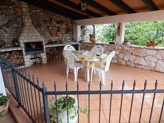 Cozy apartment very close to the centre of Murine with Parking, Internet, Terrac