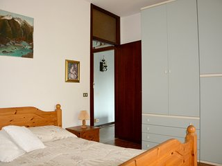 Spacious apartment close to the center of Arona with Parking, Internet, Washing
