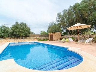 Spacious villa in Algaida with Parking, Internet, Washing machine, Air condition