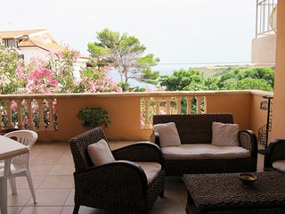 Spacious apartment in Capo Rizzuto with Washing machine, Air conditioning, Terra