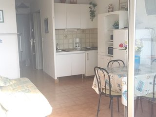 Cosy studio in Sète with Lift, Parking