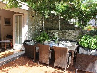 Cozy villa in the center of Sutivan with Parking, Internet, Washing machine, Air