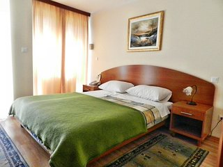 Cozy apartment in the center of Seget Vranjica with Parking, Internet, Air condi