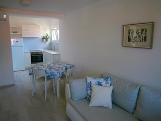 Cozy apartment in the center of Korčula with Internet, Washing machine, Air cond