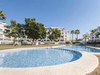 Spacious apartment a short walk away (431 m) from the 'Playa de l'Aigua Morta' i