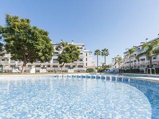 Cozy apartment a short walk away (304 m) from the 'Playa de l'Aigua Morta' in Ol