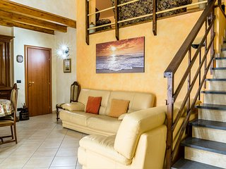 Spacious room in the center of Belpasso with Internet, Air conditioning