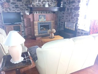 Spacious house in Valcarlos with Parking, Washing machine, Garden, Terrace