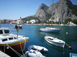Cozy apartment in the center of Omis with Parking, Internet, Washing machine, Ai