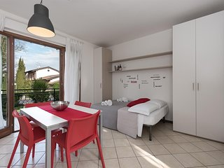 Cozy apartment close to the center of Peschiera del Garda with Parking, Washing