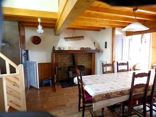 Spacious house in the center of Belcaire with Parking, Washing machine, Garden,