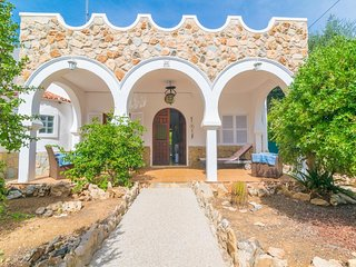 Spacious house in Cala Llombards with Internet, Washing machine
