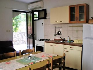 Cozy apartment in the center of Zavala with Parking, Internet, Washing machine,