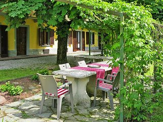 Spacious apartment in Asti with Parking, Internet, Washing machine, Balcony