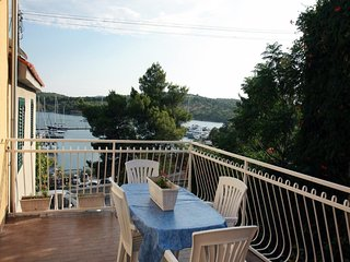 Spacious apartment close to the center of Šibenik with Parking, Internet, Washin