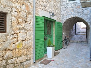 Cozy house in the center of Betina with Parking, Internet, Washing machine, Air