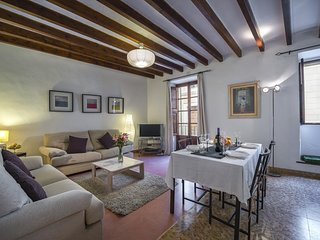 Cozy apartment in the center of Pollenca with Internet, Washing machine, Air con