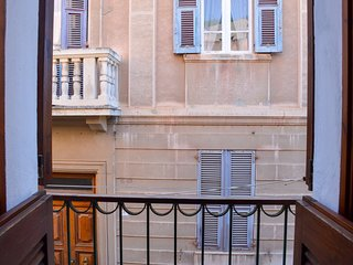 Cozy house in the center of Cagliari with Parking, Internet, Washing machine