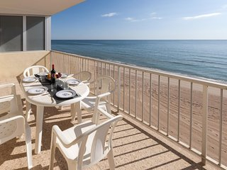 Spacious apartment right near the 'playa de Tavernes' in Tavernes de la Valldign