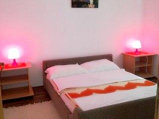 Cozy apartment very close to the centre of Jadranovo with Parking, Internet, Air