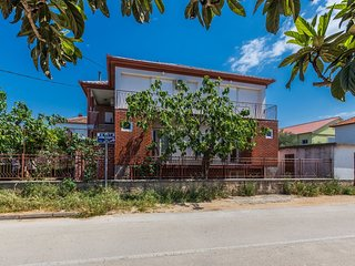 Spacious apartment in the center of Zadar with Parking, Internet, Washing machin