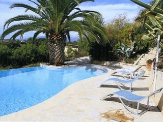 Cosy studio close to the center of Cagnes-sur-Mer with Parking, Internet, Pool,