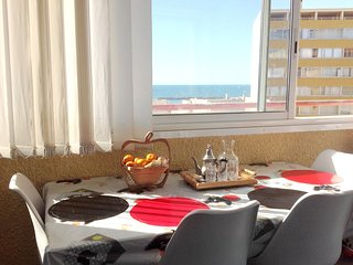 Cozy apartment very close to the centre of Valras-Plage with Lift, Parking, Inte