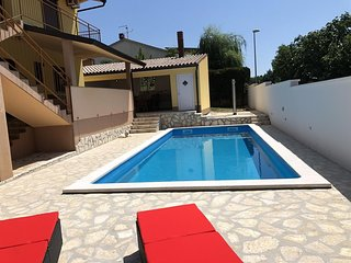 Spacious house in Pula with Parking, Internet, Washing machine, Air conditioning