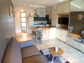 Cozy apartment very close to the centre of Carnac with Parking, Washing machine,
