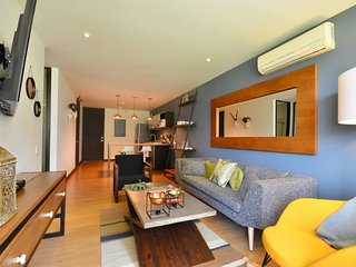 Spacious apartment in Medellín with Lift, Internet, Washing machine, Air conditi