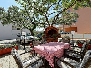 Cozy apartment in the center of Palit with Parking, Internet, Air conditioning,