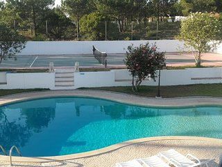 Spacious villa in Aljezur with Parking, Internet, Washing machine, Pool