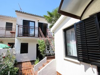 Cosy studio very close to the centre of Porec with Parking, Internet, Air condit