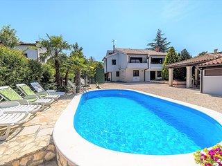 Spacious villa in Poreč with Parking, Internet, Washing machine, Air conditionin