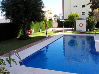 Spacious apartment in the center of Fuengirola with Washing machine, Air conditi