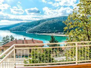 Spacious apartment in the center of Rabac with Parking, Internet, Balcony