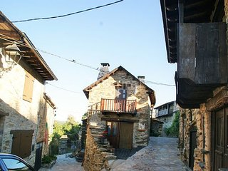 Cozy house in Figueruela de Arriba with Parking, Washing machine, Balcony