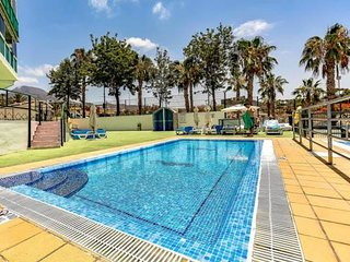 Spacious apartment a short walk away (340 m) from the 'Playa Troya' in Costa Ade