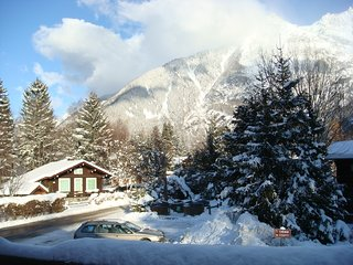 Cozy house close to the center of Chamonix with Parking, Internet, Washing machi