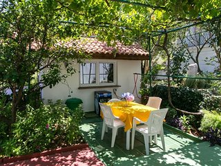 Cozy room in the center of Cavtat with Parking, Internet, Air conditioning, Pool