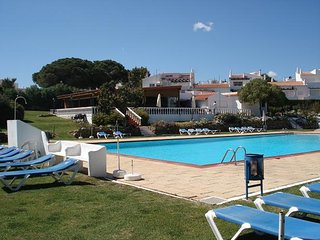 Spacious apartment in Porches with Parking, Air conditioning, Pool, Terrace