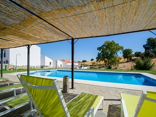 Spacious house in Venta del Charco with Parking, Air conditioning, Pool, Garden