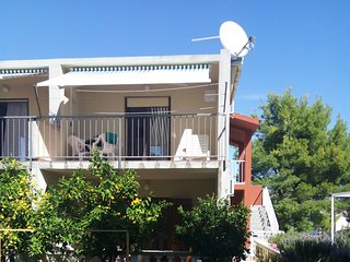 Cozy apartment very close to the centre of Slatine with Parking, Internet, Air c