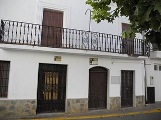 Spacious house in the center of Finana with Parking, Internet, Washing machine,