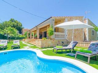 Spacious villa in Sa Rapita with Internet, Washing machine, Air conditioning, Po