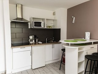 Cozy apartment in Aix-en-Provence with Parking, Internet, Air conditioning, Pool