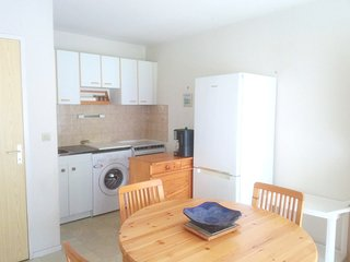Cozy apartment very close to the centre of Vaux-sur-Mer with Parking, Internet,